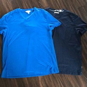 2 Calvin Klein t-shirts
